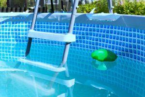 Wer einen etwas grösseren Pool hat benötigt auch eine Sandfilteranlage