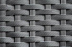 Polyrattan oder Metall sind beliebte Materiale